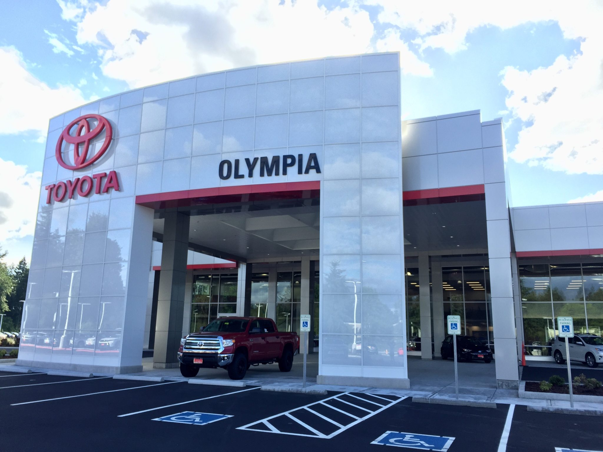 Toyota Of Olympia >> Experience Upgraded Amenities At The New Toyota Of Olympia In