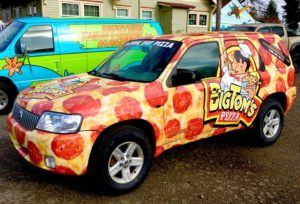 Eastside Big Tom helps neighbors pizza truck