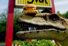 Eastside Big Tom dinosaurs-Burgrassicraptor burger
