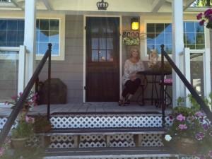 Queen Bee Art Cottage