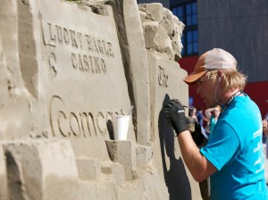 The highlight of Sand in the City are the amazing sand sculptures created by local and professional teams.