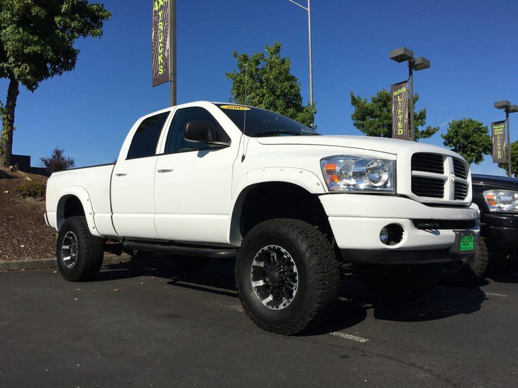 lifted trucks olympia