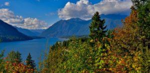 Fall colors at Lake Cushman