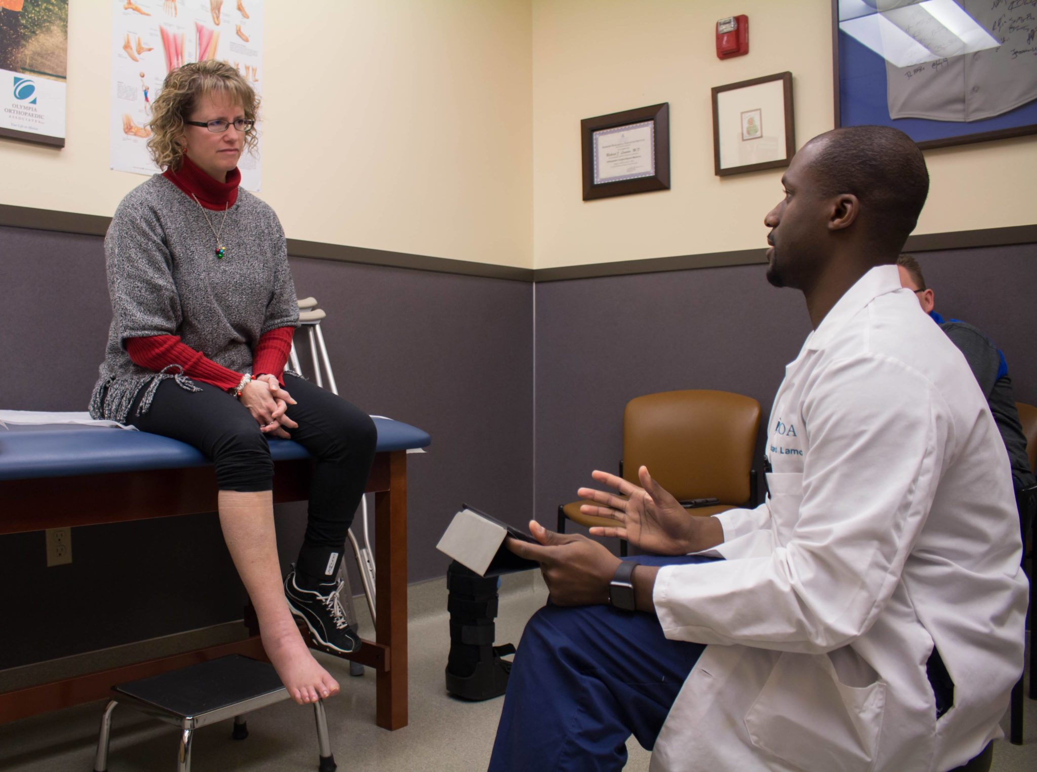 Olympia Orthopaedic Associates Shares Knowledge with Madigan