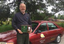 South Sound Solar Kirk Haffner with award