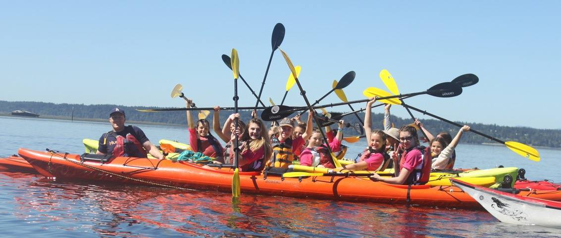 Kayak Nisqually group of girls