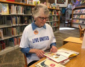 Panorama Reading Buddies Judy Murphy perusing books