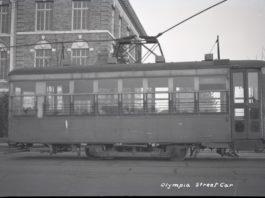 A streetcar on Capitol Way