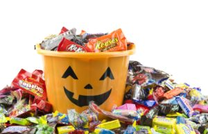 Kaiser-Permanente-Safe-and-Healthy-Halloweeen-Tips-Candy.