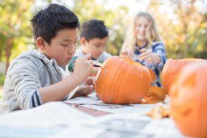 Kaiser-Permanente-Safe-and-Healthy-Halloweeen-Tips-Pumpkins