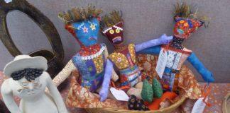 Panorama Holdiay Market dolls