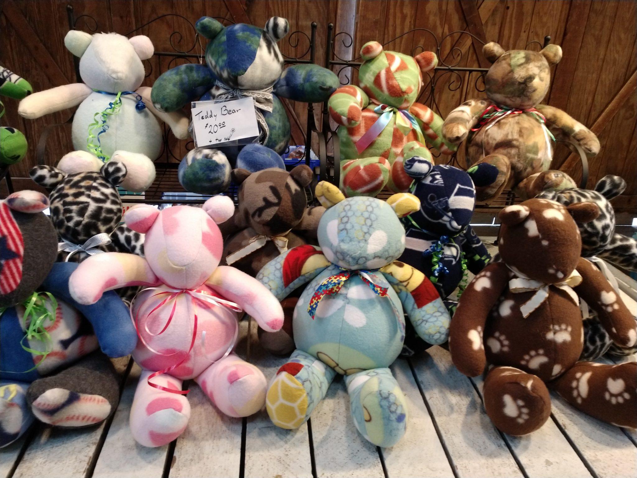 Olympia Farmers Market Bears