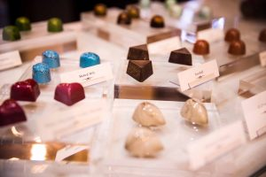 Bittersweet Chocolates Valentine's Day Glass Case Origional Twenty Four