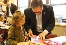 Congressmen Heck Valentines for Veterans
