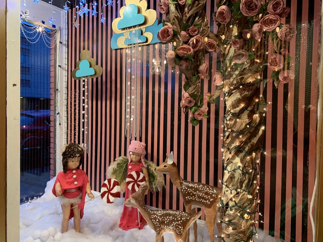 Olympia Twinklefest 2018 Hot Toddy Boutiques storefront display