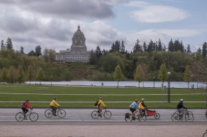 Intercity Transit Bicyle Commuter Challenge 2019 Bikers on Cap Lake