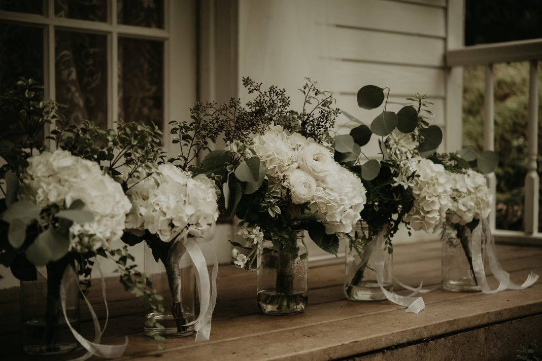 Oly Events White floral wedding bouquets