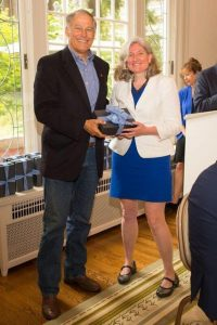 Sarah Peterson Receiving Award from Gov Inslee