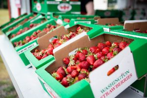 Spooner Berry Farms Spuds Produce Market Strawberries
