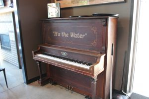 Well 80 Piano for Auction