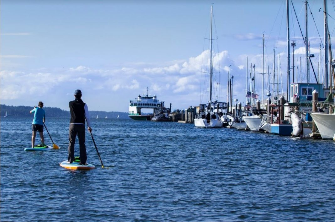 Olympia Washington paddleboarding on a windy day