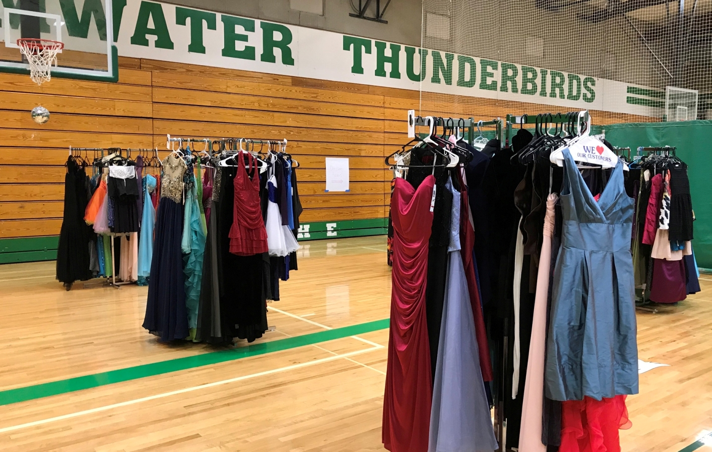 Project Prom Provides Free Formalwear for Teens - ThurstonTalk