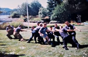 USS-Olympia-SSN717-crew-tug-of-war-Secretary-of-State-Ralph-Munro-picnic-event