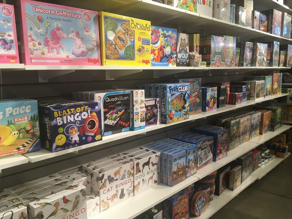 Thrifty-Thurston-Board-Games-Olympia-Captain-Little