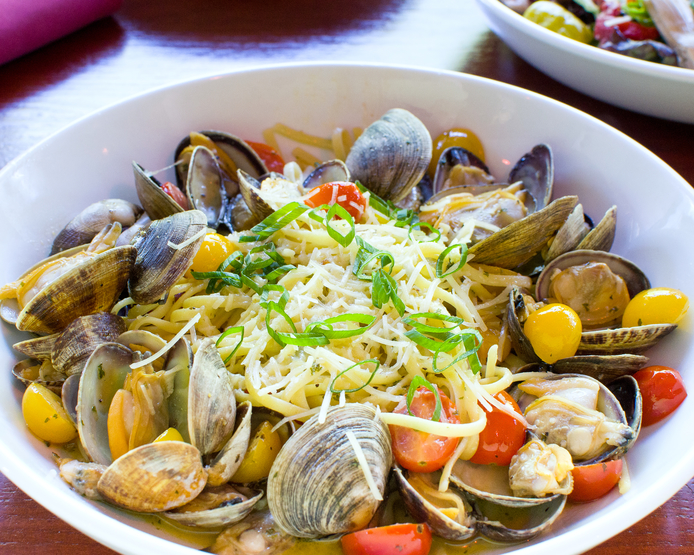 Tumwater restuarant Pellegrinos-linguini-and-clams