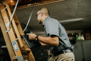 Boggs-Inspection-Services-Puget-Sound-Home-Seller-Tips-lightbulbs
