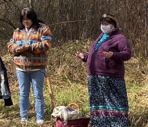 Canoe-Journey-Herbalists-Land-Blessing-Ceremony