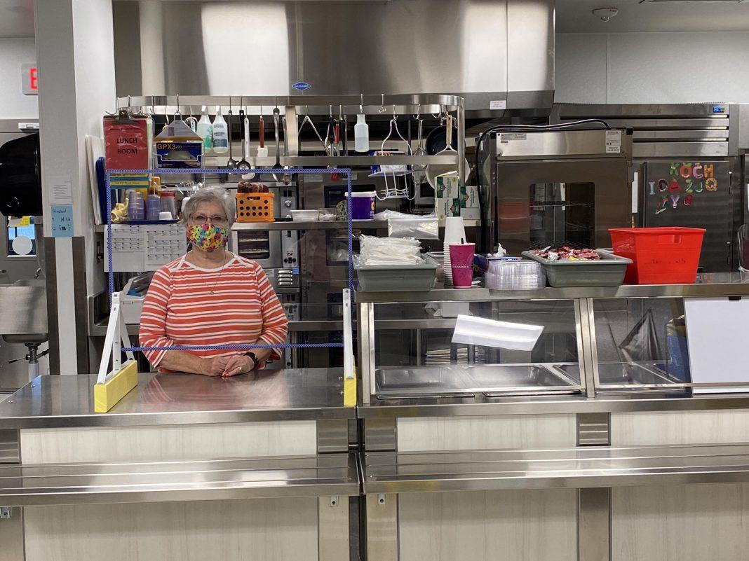 Laurie-Panter-Roosevelt-Elementary-School-Kitchen