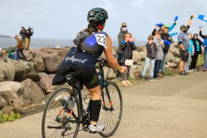 Summit-Pacific-Tour-de-Wellness-finish-line-crowd