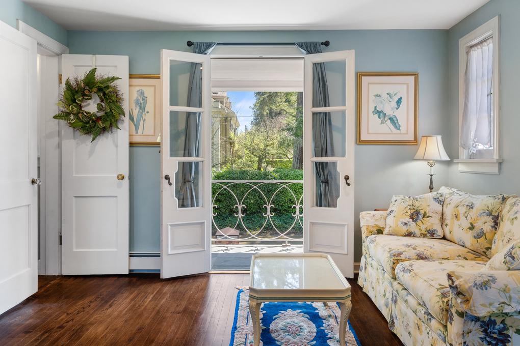 Trena-Belsito-Worthington-homes olympia history 27th-Avenue-French-doors-