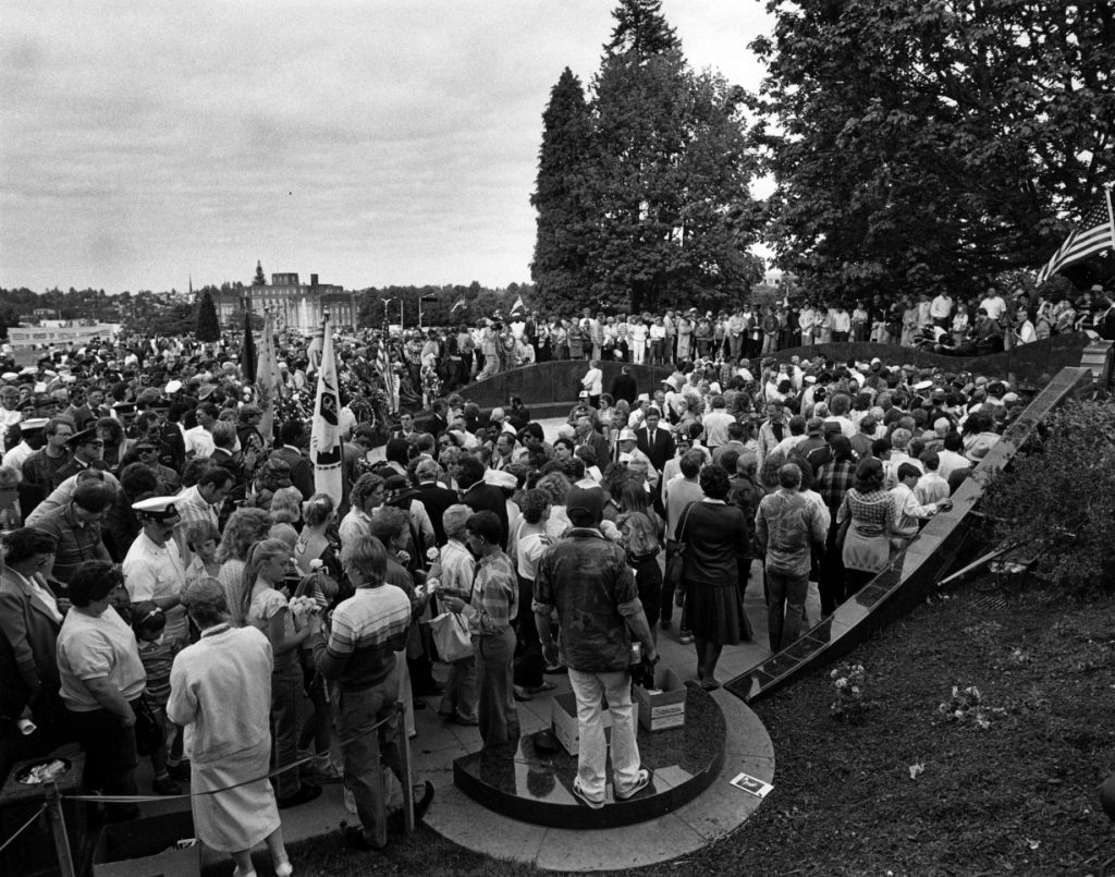 Vietnam-Memorial-Dedication-Olympia