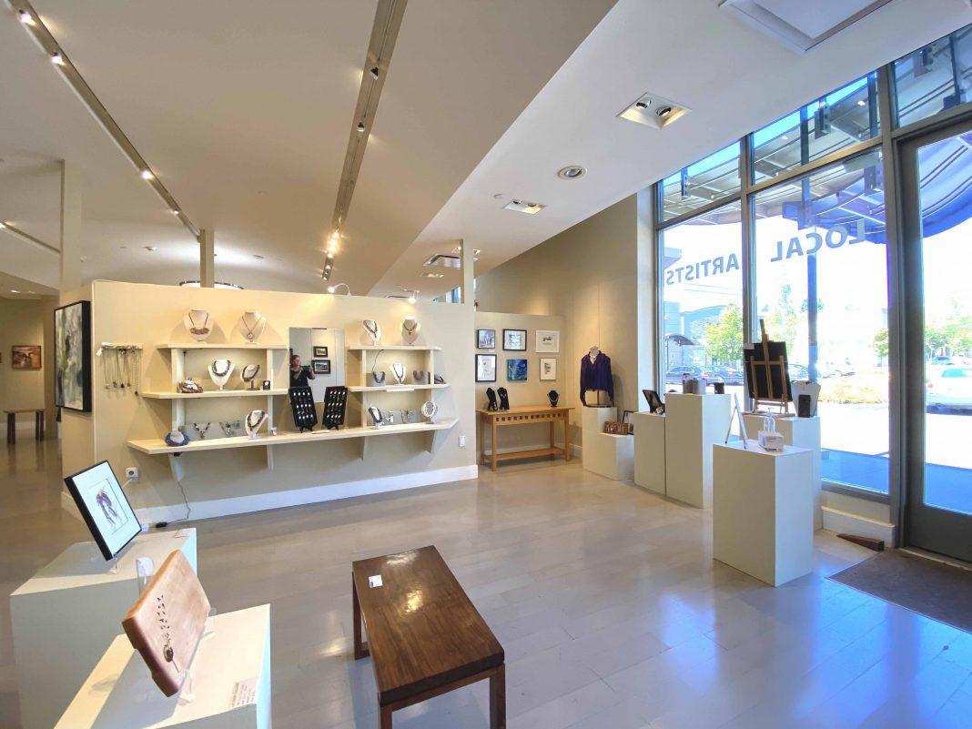 Capital-Mall-Creative-Tenants-The-Artists-Gallery-Art