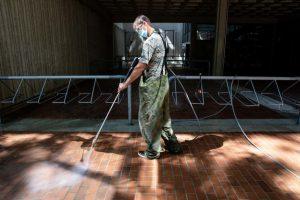 evergreen state college maintenance staff power wash